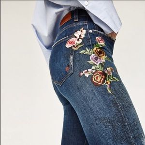 Zara Embroidered Rose high waisted jeans size 8